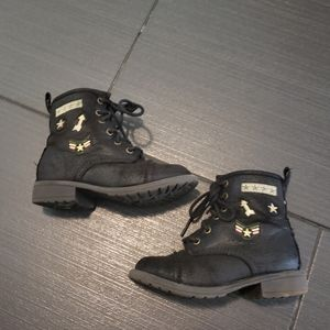 Girls military boots by Madden Girl